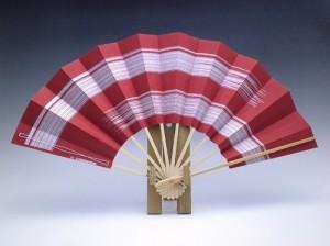 舞扇子(白竹)色地二段カスミ・朱